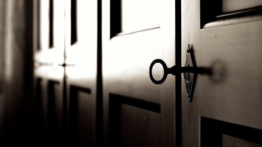 Как вскрыть дверь в Санкт-Петербурге?
