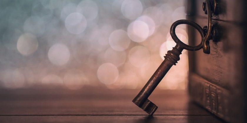 Как вскрыть замок без ключа?